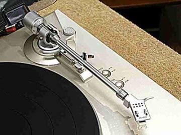 Denon DP-300 F Vollautomatischer Plattenspieler (Riemenantrieb, integrierter Vorverstärker) premium silber - 4