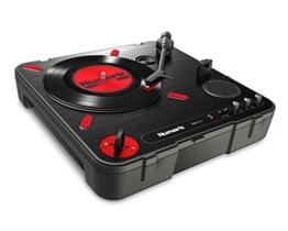 Numark PT01 Scratch - tragbarer DJ-Plattenspieler mit  auswechselbarem Scratch-Switch, eingebautem Lautsprecher, Stromversorgung über Batterie / Netzteil, 3 Geschwindigkeiten und USB-Verbindung - 1